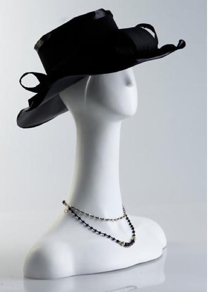 Female Fiberglass Italian Mannequin H15